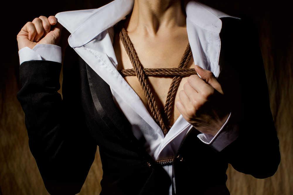 Las cuerdas también pueden ser muy interesantes en los encuentros eróticos